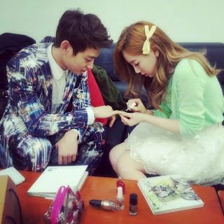 SNSD: Taeyeon & SHINEE: Minho - Photo