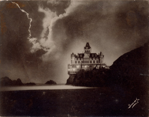 Cliff House, 1900, T. Imai