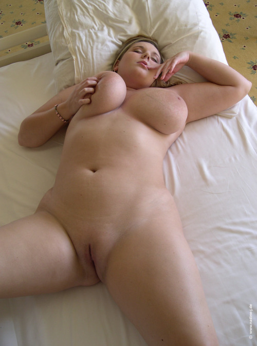 biggurllvr:  chubbychaserforever:  I love you…  This girl is...   tumblr mhx3nbgo3M1rize2jo10 500