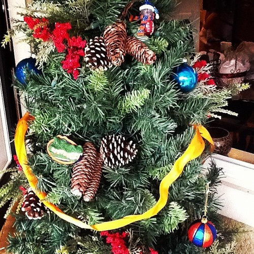Gator christmas tree decorated :)