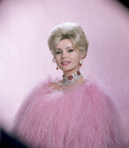 Zsa Zsa Gabor wearing vulture feathers and $600,000 worth of jewelry for a Dune's Club appearance in Las Vegas, Nevada 1961.