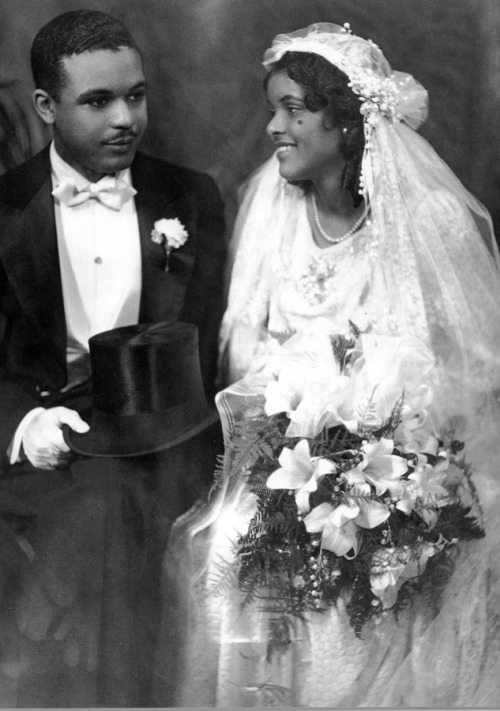 WEDDING DAY | 1920s African American bride and groom, James Van Der Zee, photographer. Black History Album, The Way We WereFollow us on TUMBLR  PINTEREST  FACEBOOK  TWITTER