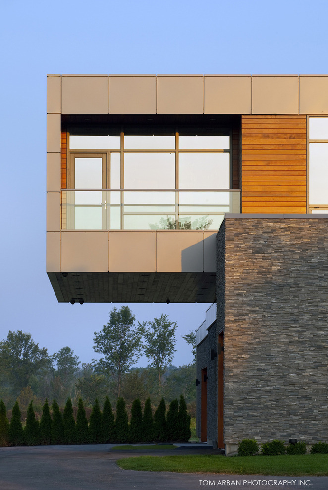 architectureland:  Riverhouse Niagara designed by Zerafa Architecture Studio in Niagara Falls, Canada
