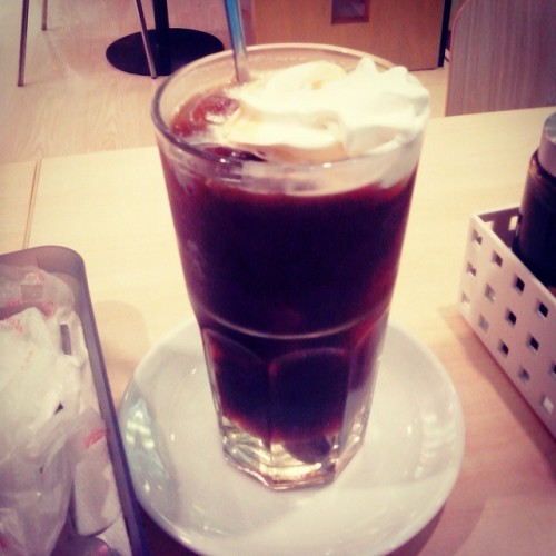 i can't believe  i  paid a lot just for  a  brewed coffee with ice cream on top. deym =,=
