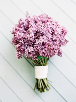 lavendersummers:  livin-on-lovee:  lilac bouquet | blu magnolia | photo by jenhuangblog.com  Yes please! Oh that would smell heavenly :)