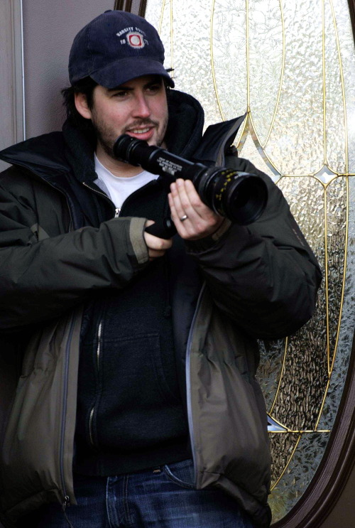 Jason Reitman on-set of Juno (2007)
