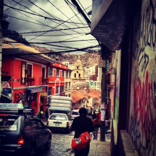 In the streets of La Paz you're always either going downhill or uphill. & at an elevation of more than 12,000 ft I've got a good feeling my heart and lungs are gonna be in the best shape of my life by the end of my stay. #byuabroad #ldsinterns #Bolivia #altiplano #streetart (at La Paz, Bolivia)