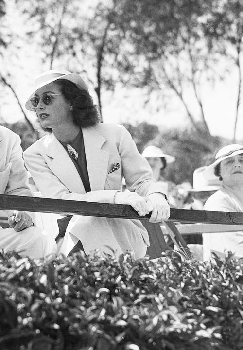 deforest:  Joan Crawford at a charity polo match in Santa Monica, June 1936