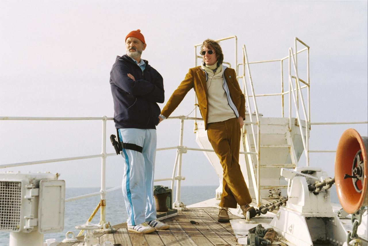 imsorry-ology:  Wes Anderson on the set of The Life Aquatic with Steve Zissou.