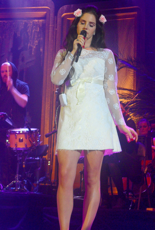 firemylions:  Lana last night in Düsseldorf, Germany
