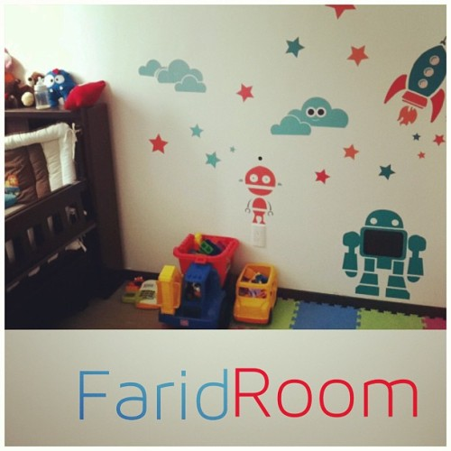 Done n_n #kids #kids_room #kids_decor #decor #design #robots #vinil