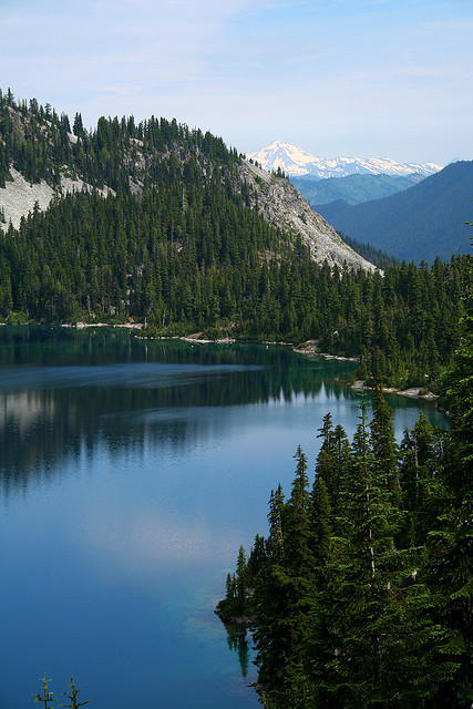 mvnchies:  Marmot Lake and Glacier Peak by Shahid Durrani