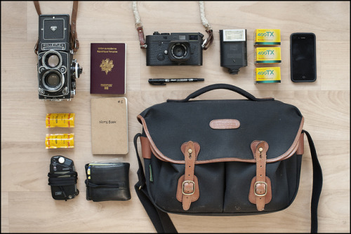 [ What's in my bag - 2013 ] by FrancoisConstant on Flickr.