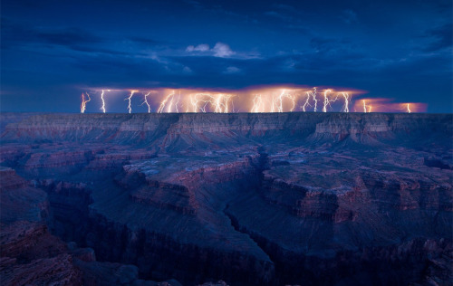 tra-velne-ws:   Lightning Over The Grand Canyon