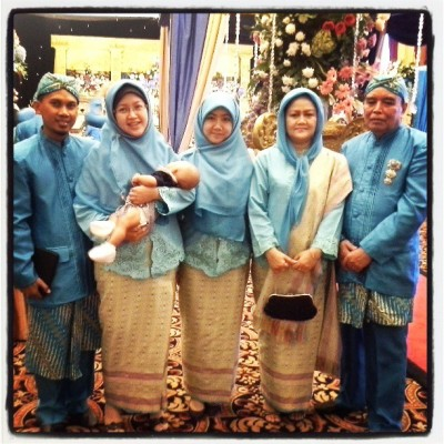 The one and the only one, my family. ♥ #family #javanese #wedding