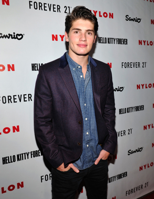 SAD NEWS for Gregg Sulkin… But it could be good for us, PLL fans!