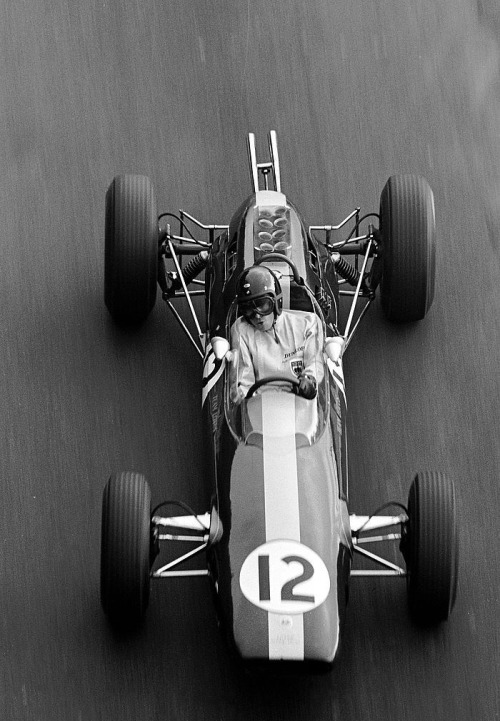 itsawheelthing:  the view from above …Jim Clark, Lotus-Climax 25, 1964 Monaco Grand Prix