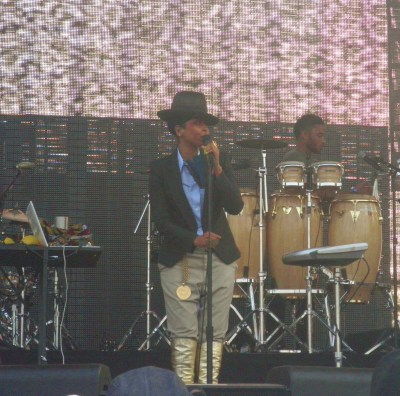 my girl badu at rock the bells in nyc 2011 great summer