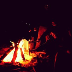 #bonfire #goodcompany   (at Twin Lakes)