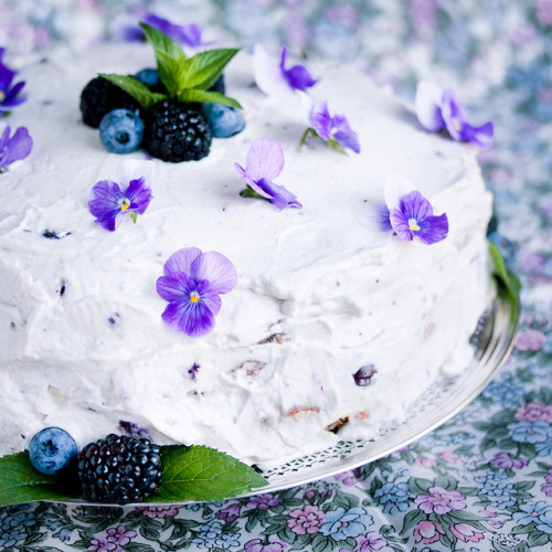 raspberrytart:  blueberry almond tort by Katy Noelle on Flickr.