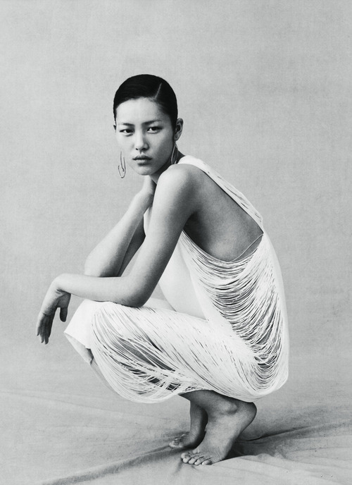 fashioneditorials:  liu wen for vogue china 4/2009