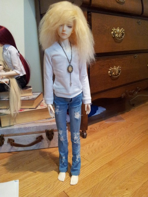 hatonthekat:  Mios' new pants and shirt came in yoday~ I love these jeans on him.  OMG BABY looket the presh ;3;