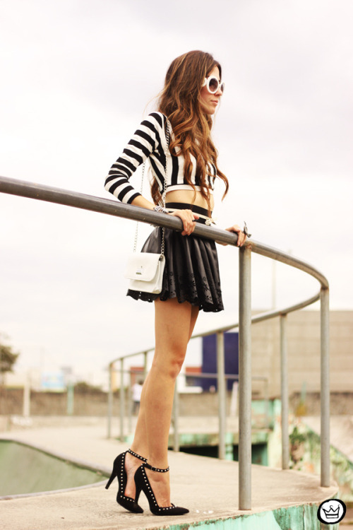 the-streetstyle:  Look du jour: rewindvia fashioncoolture  the shoes!