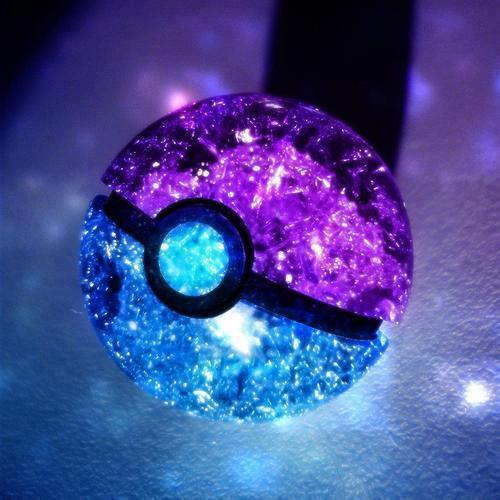 dumboandstitch:  Poké Ball ~ | via Facebook on We Heart It. http://weheartit.com/entry/59193495 Look At This Amazing Poke Ball!!! Haha