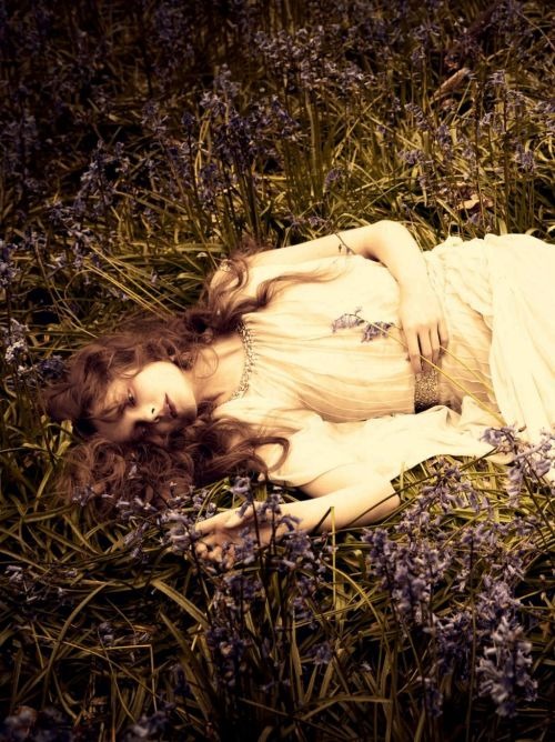 life-ispeachy:  So Full of Dreams Eniko Mihalik by Ellen Von Unwerth for Vogue Italia July 2012