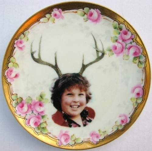 (via Deer Ol' Chunk. Altered antique plate.)