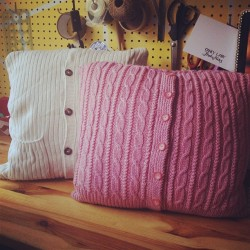fancybidet:  Finally got around to making my cardigan cushions. So snuggly.  So cute! And one has pockets!