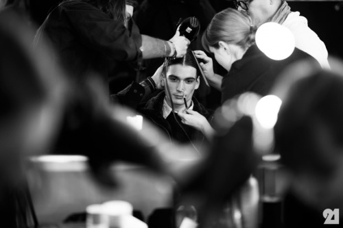 TAKE A LOOK BEHIND THE SCENES - BACKSTAGE @ ROBERT GELLER MENSWEAR - http://jessjessde.blogspot.de/2013/04/backstage-robert-geller-menswear.html