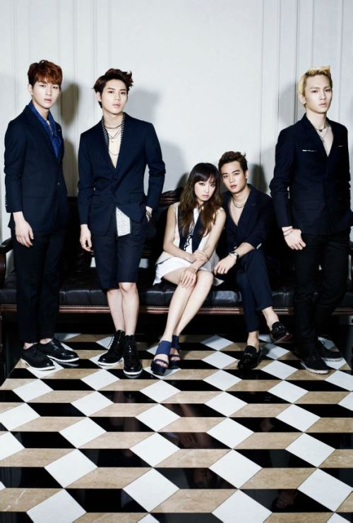 F(x): Victoria & SHINEE - High Cut Photos (3)
