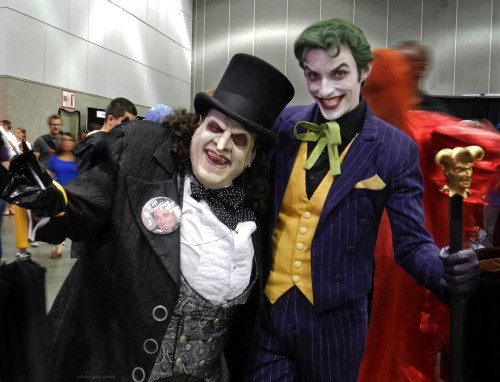 comic-jazz:  Penguin & Joker cosplay