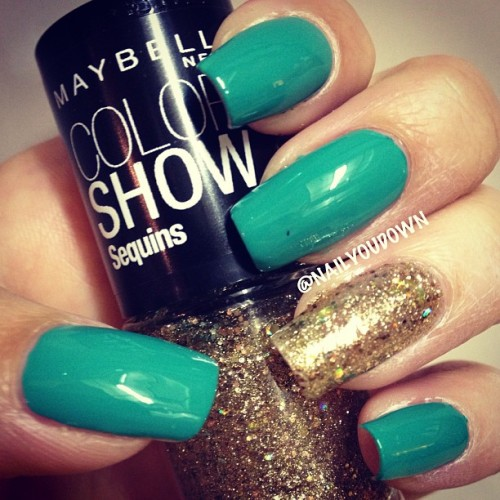 •Sally Hansen | Mint Sprint• •Maybelline | Gold's Night Out• Love this shade of green (though I'm not sure why its called mint since its much darker than other mint colors). I also couldn't resist picking up this gold glitter since I have the same one in silver and its my favorite! @maybelline @sally_hansen #nailyoudown #swatch #glitter #gold #green #sundayswatchday