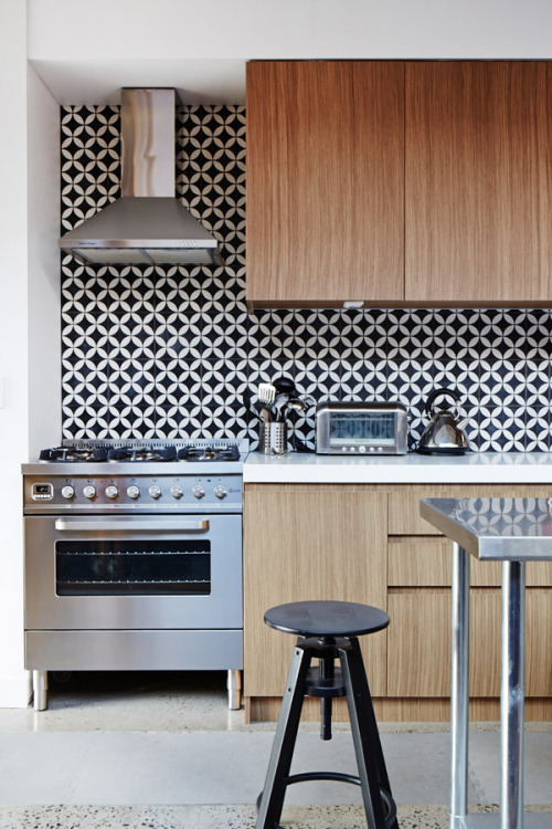 homeandinteriors:  The Bondi terrace home of Jodi and Brendan York  Tile love