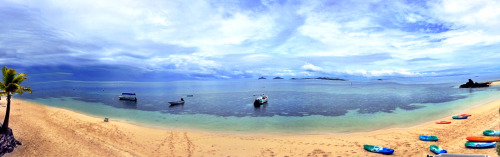 Shot this panoramic photo at the beautiful Castaway Island Resort in Fiji. Reblog this if you could see yourself vacationing here! ;-) Follow me: Facebook | Twitter | YouTube | Instagram