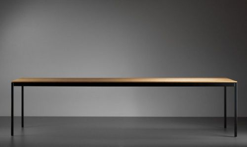 Universal table by Atelier Alinea