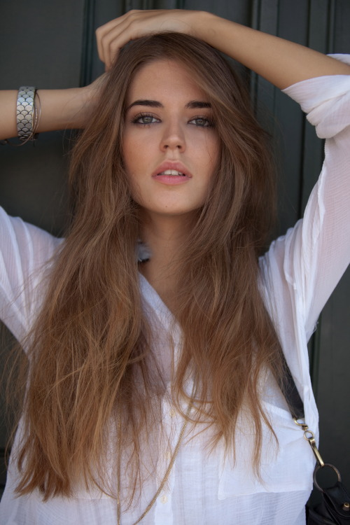 Dark honey brown hair with blonde highlights
