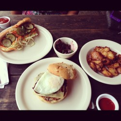 lifeinthesunshine:  The Whole Ox: Chicken Fried Chicken and a Dry Aged Burger w Gruyere & a Fried Egg.  Amaze.