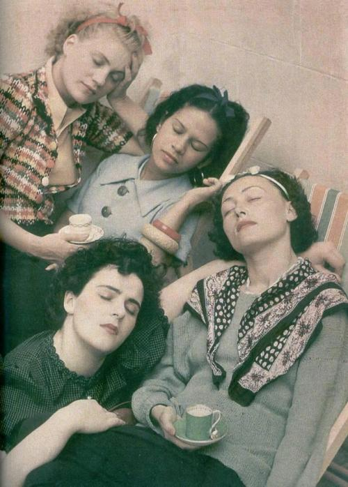 foxesinbreeches:  Four Women Asleep by Roland Penrose, 1954 (Left to right: Lee Miller, Leonora Carrington, Ady Fidelin, and Nusch Eluard)  is that really lee miller in 1954?! that babe is AGELESS. also i would change this title to four badass bitches who were unfortunately always in the shadows of their male counterparts because SEXISM asleep.
