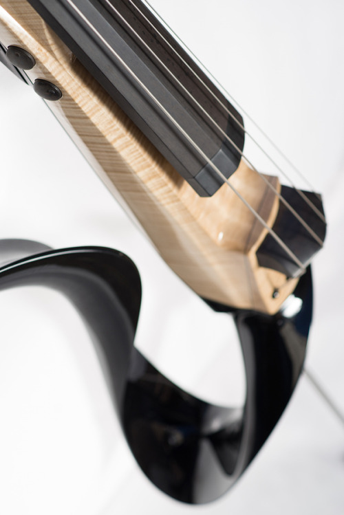 (via DSDV 3 electric upright bass on Behance)