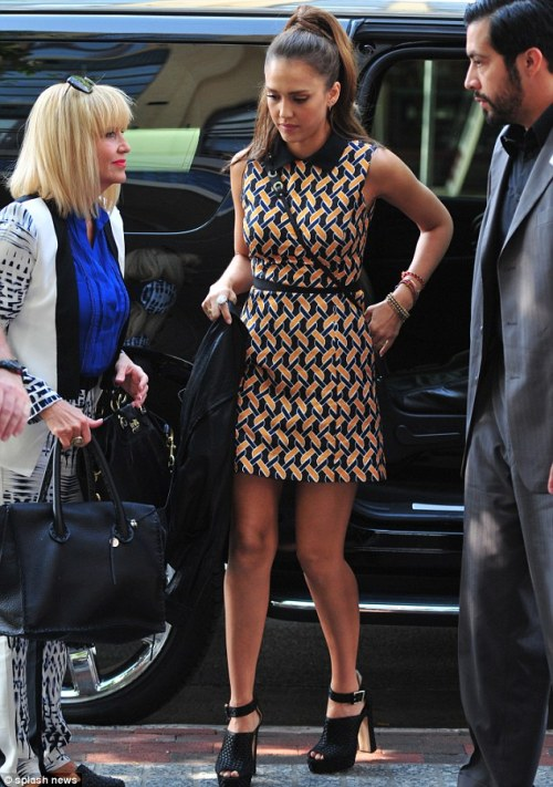 elizabethswardrobe:  Jessica Alba in Miss Wu, Bionda Castana 'Christa' heels and Graziela jewels at a signing of her book, The Honest Life, in Bethesda.