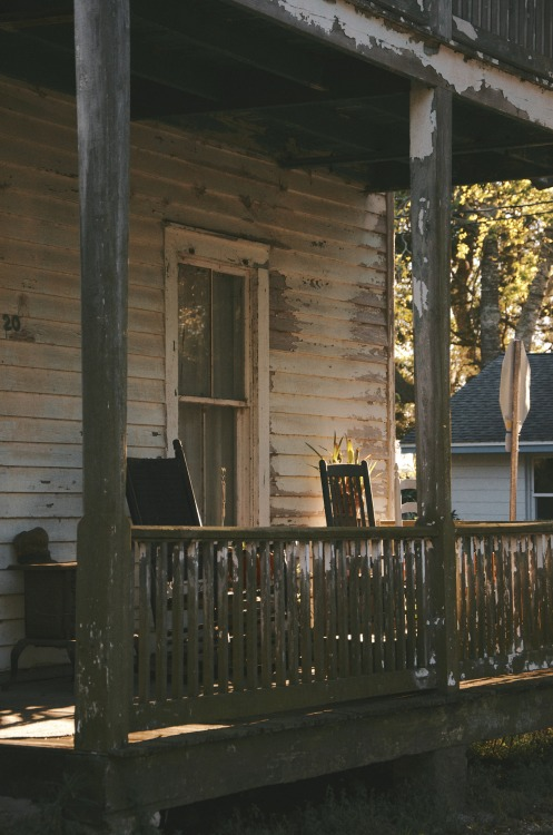 grayskymorning:  pspo:  It's hard to deny the appeal of a good porch. St. Augustine, Florida March, 2013
