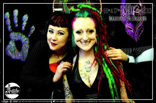 Who visited our lovely ladies, Lara and Mei, at the Brighton Tattoo Convention on Saturday?? Check out this gorgeous photo of them by Anarchy Photography <3