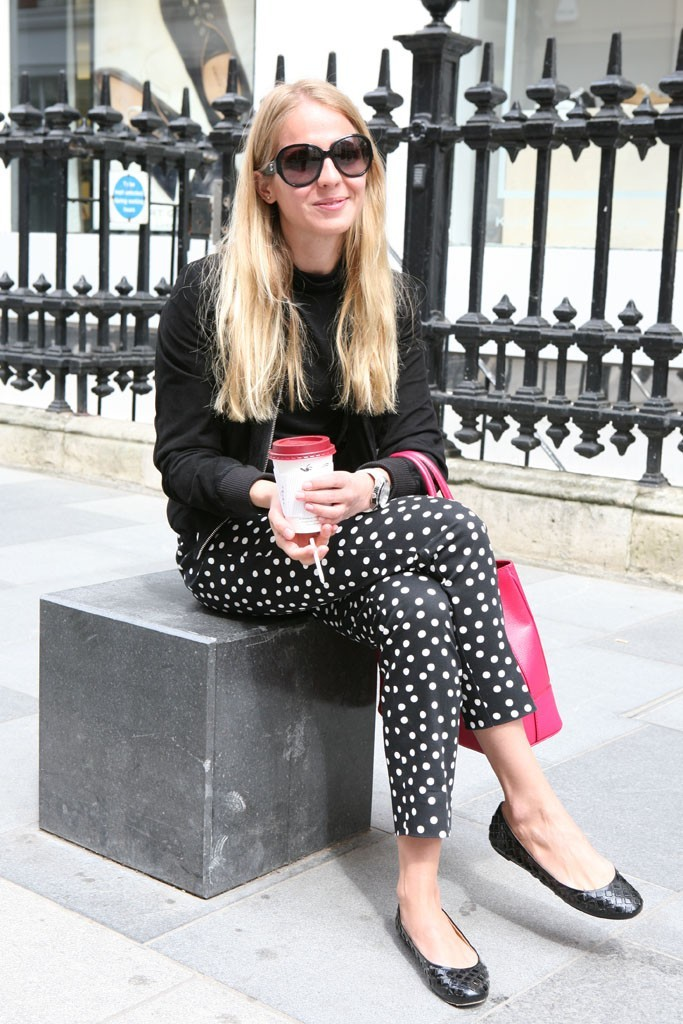 womensweardaily:   On the streets of London. Photo by Merry Brownfield