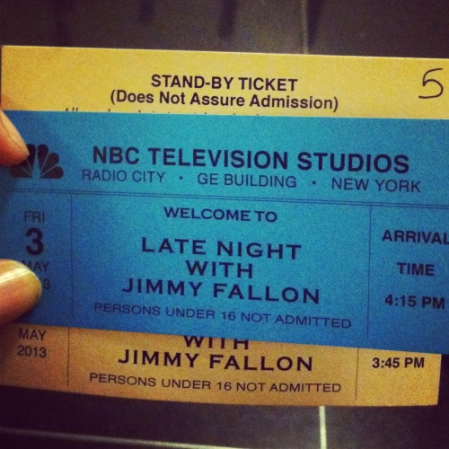 You all better watch Jimmy Fallon tonight. It has everything you need as an Alex fan - tight clothes, skin, awkward pauses and drunk grandma.