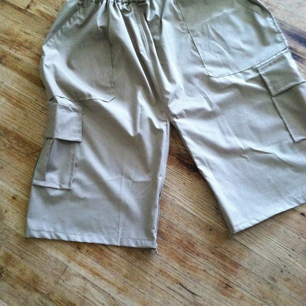 Izar turn in to Pants drawstring 6pockets a Izar and Pants in One Alhamdulillah We Love Allah #love #oneofakind #cute #custom #design #designer #saiyd #fashion #gq #followme #vogue #islam #kuwait #ksa #abudhadi #boss #transform #izar #islamicfashion #islamicclothing