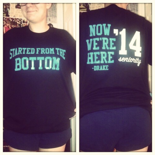 thatgirlshowtime:  grantmellie:  senior shirts!! #lookmyface  Awe love you senior shirt! I have 3 years :(. But dat ass doe! Lol!  aww thank you :') it took me a while but i like it a lot too. ughh i remember when it was 3 years those years will fly by so fast and so slow it's the weirdest thing. sbdkjgbjdk *blushes* lmfao i'm actually really self conscious about my butt, so thank yoU?