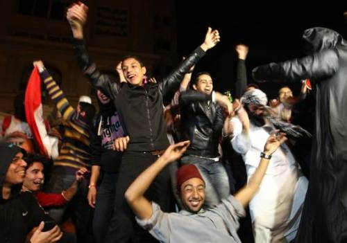 How the Harlem Shake is being used to push for change in Egypt (Photo: Khaled Elfiqi / EPA)  CAIRO — It is the latest Internet phenomenon that has the world laughing, but in Egypt the Harlem Shake has caught the imagination of revolutionaries who are using it as a new way to challenge the country's new Islamist rulers. Read the complete story.